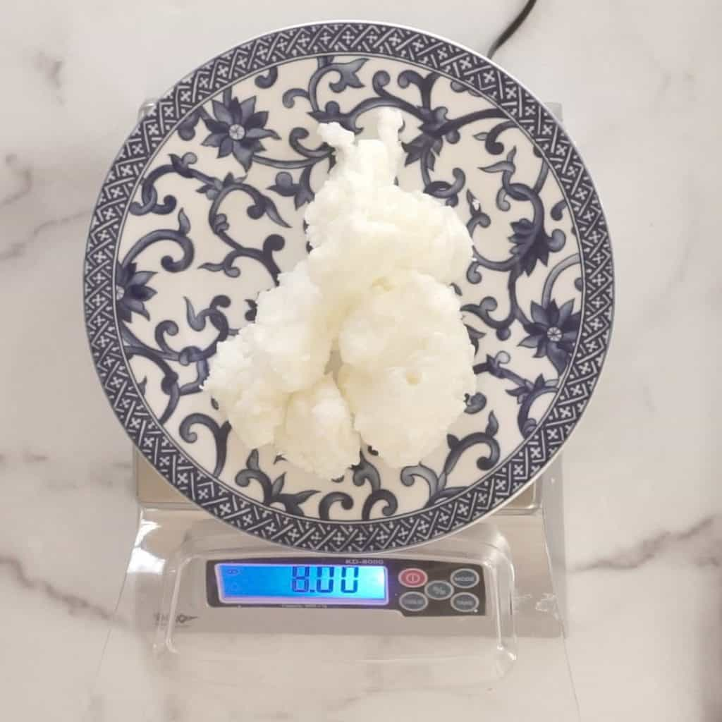 measuring hard oils on plate