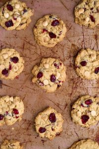 Oatmeal White Chocolate Cranberry Cookies