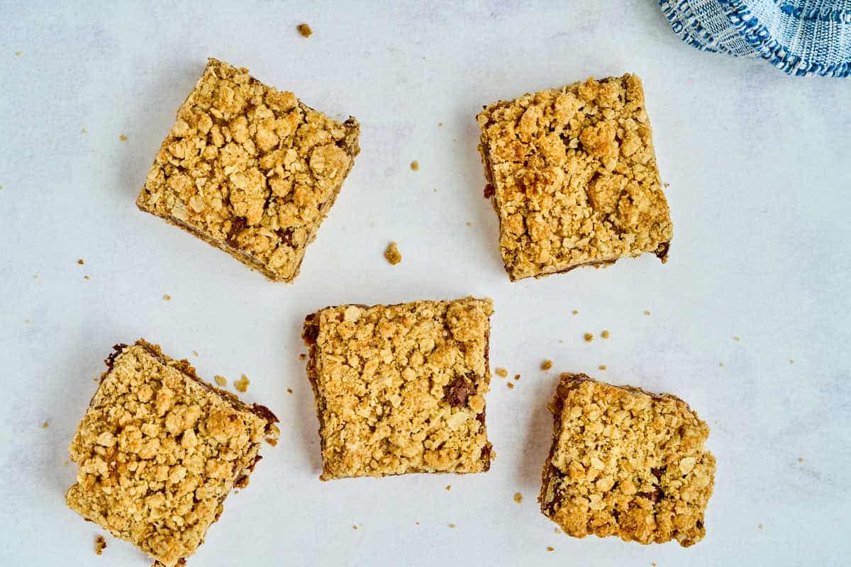 5 square oatmeal chocolate caramel bars
