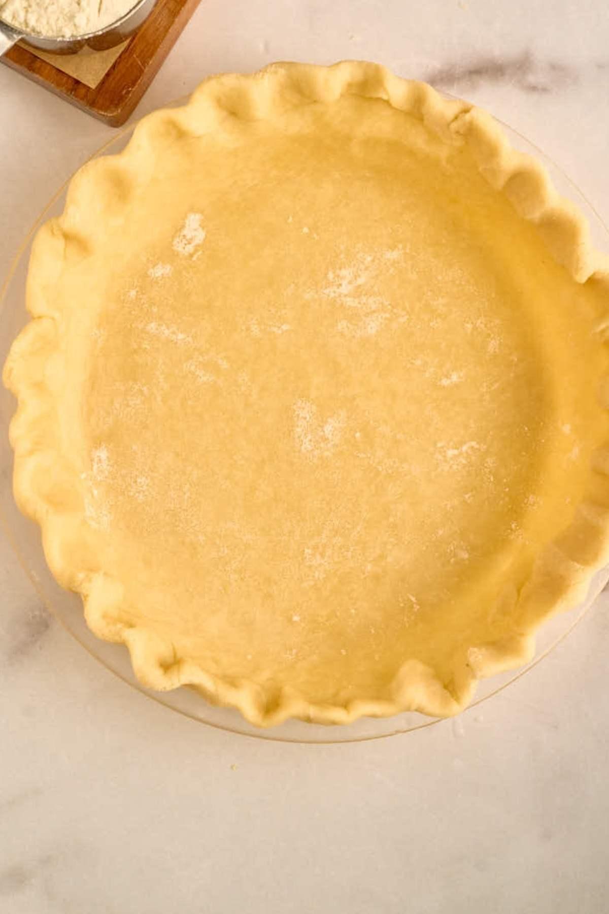 crimped edge pie crust in glass pie plate